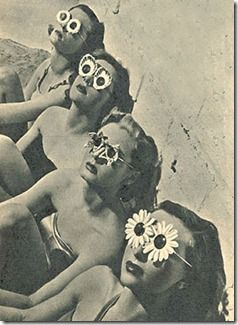The Beach Anno 1952  Fabulous Flower shaped glasses!