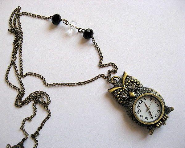 Colier bronz ceas pandantiv bufnita si cristale albe si negre