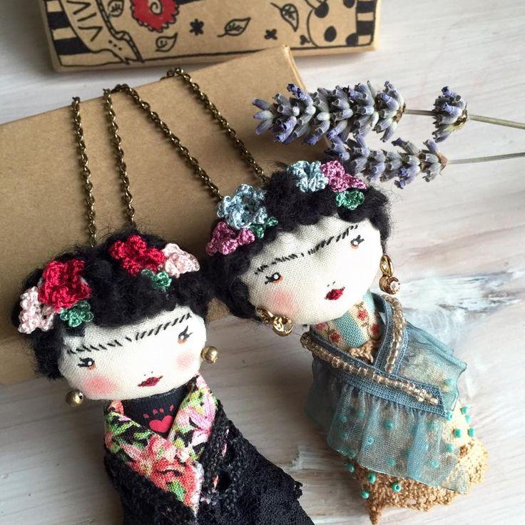 Frida Kahlo doll necklace & brooch~Image © Poudre Rose <3