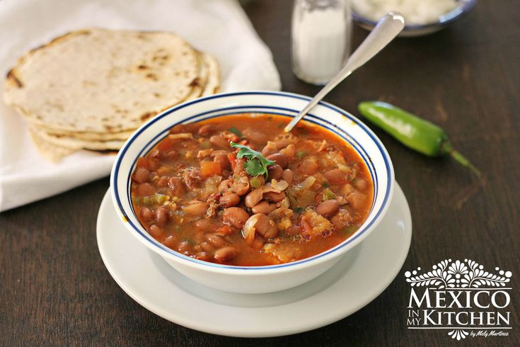Charro Beans Soup, is a basic recipe the way I prepare Frijoles Charros in my kitchen, you can add other meats to the soup, that is what most cooks do, right? Personalize and adjust to your taste. Sometimes I add pork rinds or sliced hot dogs sausages, too.