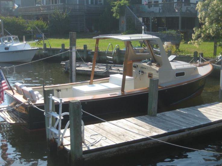 Very nice diesel sisu 22 downeast boat forum lobster for Downeast fishing gear