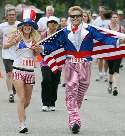 Heidi Montag and Spencer Pratt were in the 32nd Palisades 10K Charity Run. Their outfits were completely traditional and symbolic – stars and stripes.