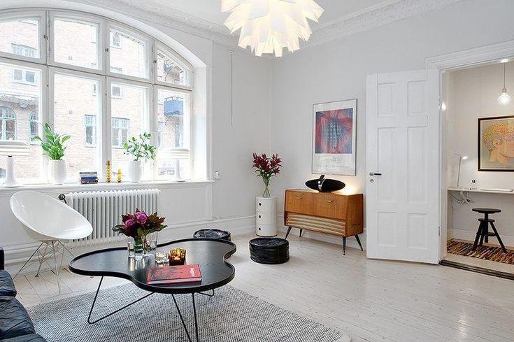 метров Данная двухкомнатная квартира в Гетеборге, Швеция, совсем небольшая по метражу — всего 47 квадратов. Однако ее грамотной планировке и оформлению интерьера позавидуют многие собратья покрупнее. Расположенная в здании вековой давности, она представлена в