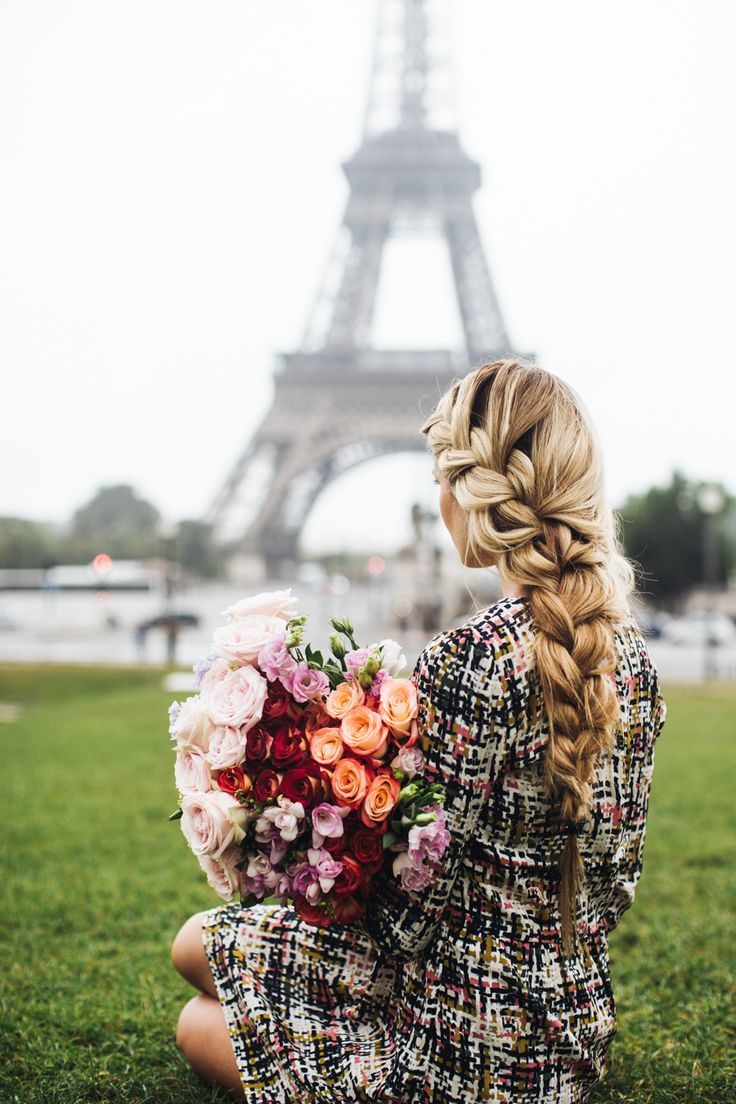 Street fashion for fall (Paris) Barefoot Blonde chunky braid
