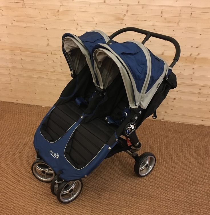 The Baby Jogger City Mini Double Pushchair is a side by side double buggy suitable for use with two children. Created for the urban explorer, the Baby Jogger City Mini Double Pushchair has a small, quick and easy fold with auto-lock for convenience and parents with small storage space.  Read our full review here ► https://buggypramreviews.co.uk/baby-jogger-city-mini-double-pushchair-review/  Watch our video review here ► https://www.youtube.com/watch?v=6WDwh9gLnws