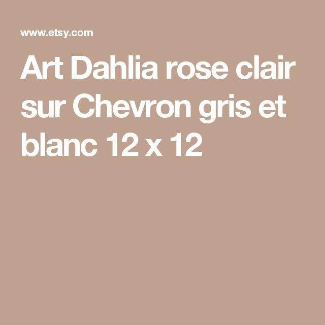 Art  Dahlia rose clair sur Chevron gris et blanc 12 x 12