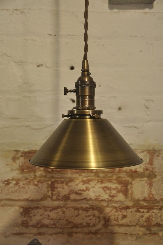 Laiton Antique massif pendentif luminaire rustique par wiresNjars