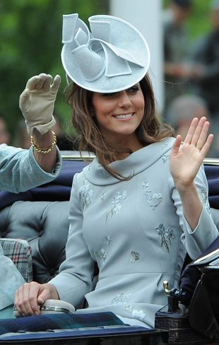 Love Kate Middleton and her large fascinator and hat collection | fascinators  HTTP://TEXASTRIM.NET