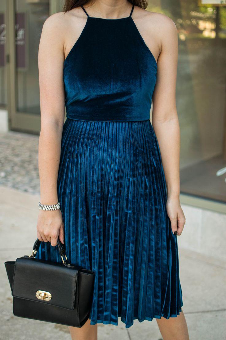 Chelsea 28 blue velvet dress