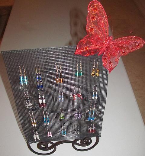Diy earring organizer display stand black plastic mesh for Hobby lobby jewelry holder