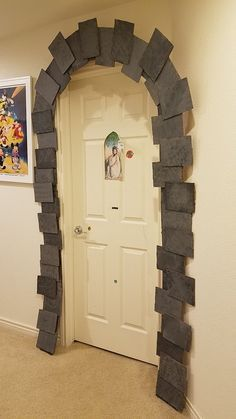 Harry Potter Party DIY decor: Dormitory entrance