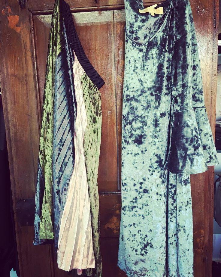 ..puoi ottenere tutto ciò che vuoi se sei vestita per averlo..#autumn #alori1961 #picoftheday #velvet #bonsui #dress #skirt #colours #instagood #instapic #instashop #shoppingonline #www.alori.it #contactus #info@alori.it #eleganceisanattitude #instamood #instalike #