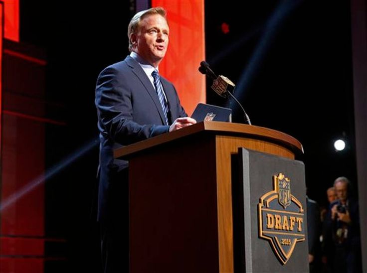NFL commissioner Roger Goodell announces after the Tampa Bay Buccaneers selects Florida State quarterback Jameis Winston as the first pick in the first round of the 2015 NFL Draft, Thursday, April 30, 2015, in Chicago.