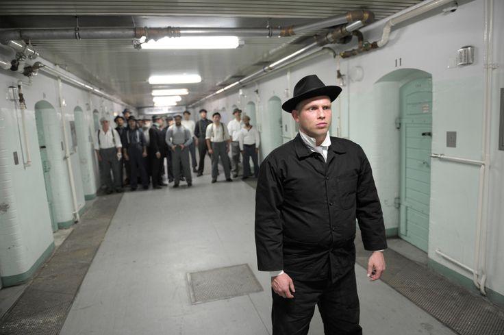 Die Maschinenstürmer nach einem Drama von Ernst Toller FREILUFTGEFANGENENTHEATER in der JVA Tegel, Berlin 2014