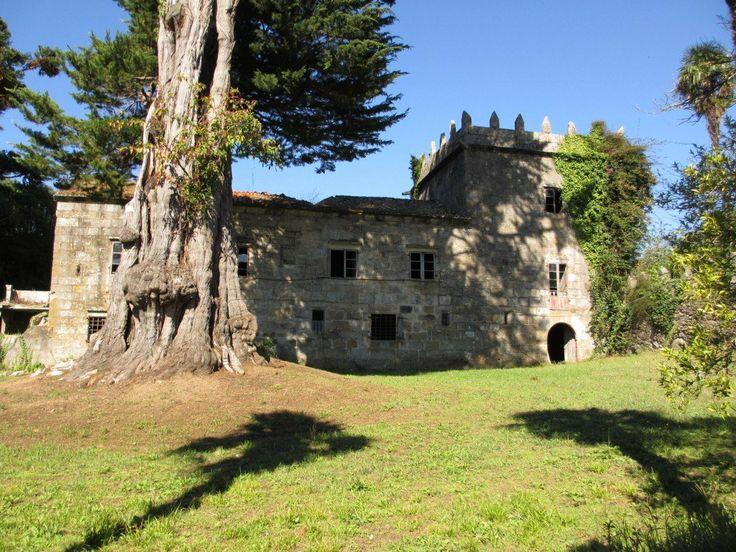 Pazo de Quintáns http://patrimoniogalego.net/index.php/50432/2013/10/pazo-de-quintans/