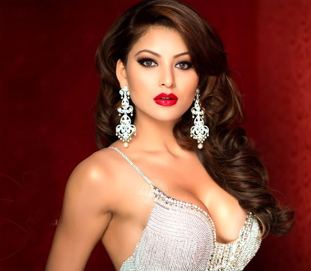 CELEBRITY TOP NEWS: Urvashi Rautela Want To Work In Tollywood