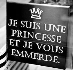 Tout à fait ! Il n'y a pas d'âge pour être une princesse.