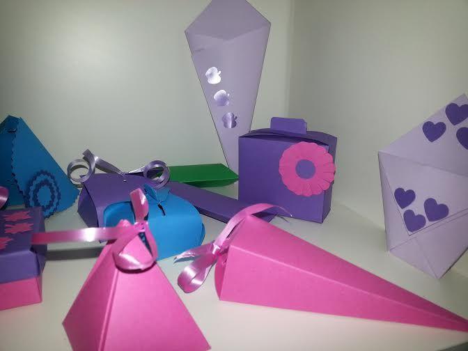 scatoline porta confetti per tutte le cerimonie https://www.etsy.com/it/shop/langolodisimi?ref=l2-shopheader-name