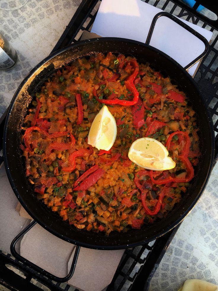 yum yum, totally vegan vegetable paella 😍