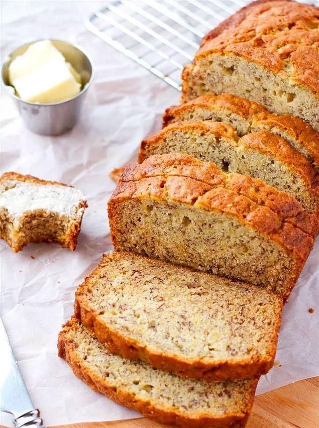 İlk önce normal muzlu ekmek nasıl yapılıyor ona bir göz atalım