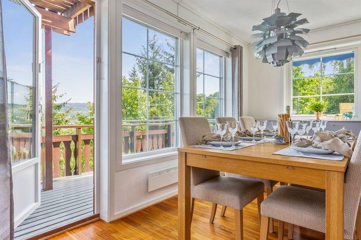 FINN – BYÅSEN - Meget pen familiebolig med nydelig utsikt - Stor solrik og skjermet terrasse og hage - Godkjent utleiedel