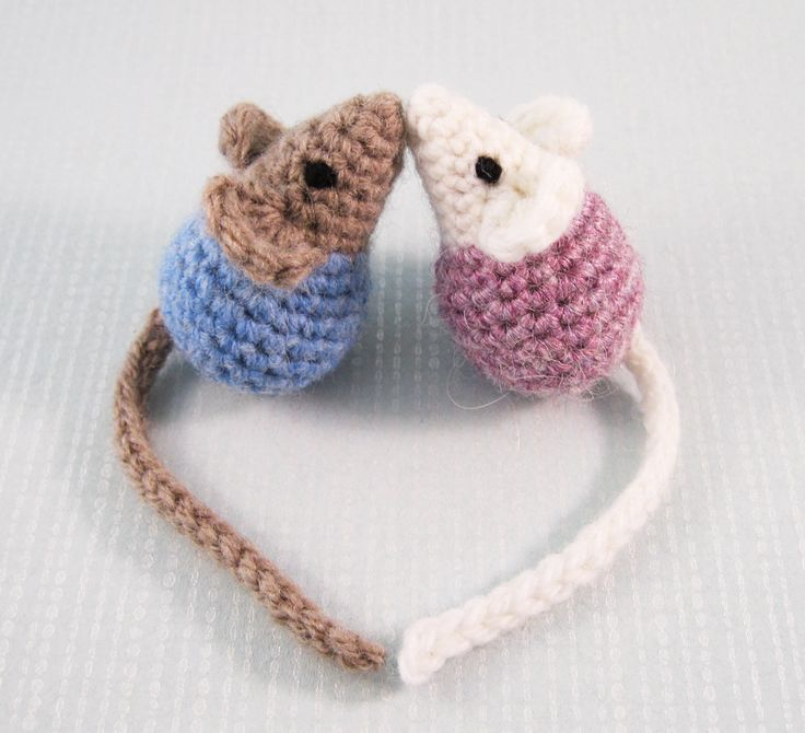 Little Kissing Mice By Lucy Collin - Free Crochet Pattern - (ravelry)