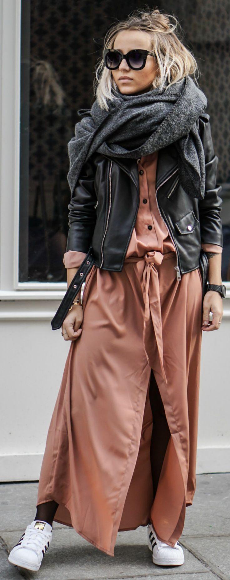 Shirt dress + Camille Callen + coral maxi style + oversized scarf + Adidas Superstars.   Shirt: Stylestalker, Scarf: Asos, Jacket: Zara, Sneakers: Adidas.