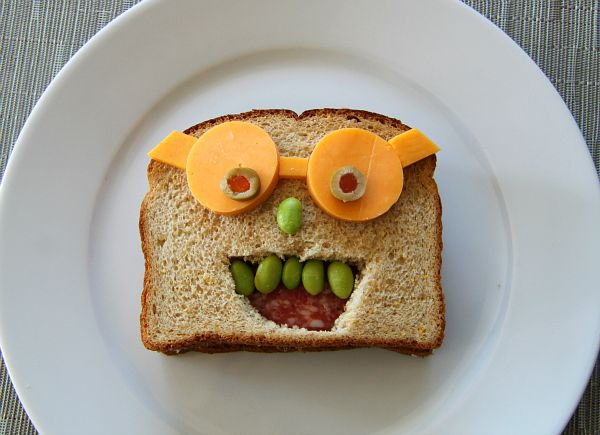 Zo gaan de lunches er zonder problemen in! #kids #food #art #honig