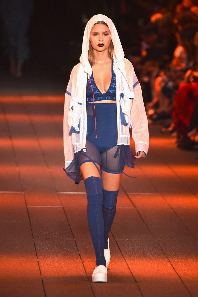 Josephine Skriver walks the DKNY NYFW runway - http://bit.ly/2co2YKY