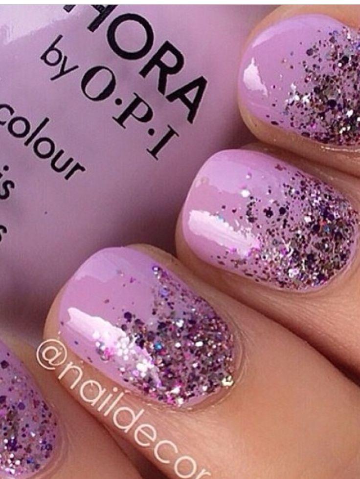 Paarse glitter nagel