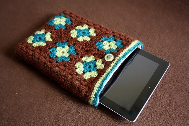 Ravelry: Granny Square iPad Case pattern by Lindsay Edwards