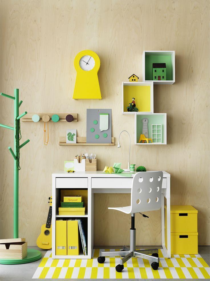Votre enfant réclame un #bureau rien qu'à lui pour la rentrée ? Dans le magazine @ikeafamilylive du mois de juillet, vous trouverez des #idées et #astuces #déco pour réaliser ce projet : http://www.ikeafamilylivemagazine.com/fr/fr/article/42657. #IKEA #IKEAFamily #rangement #chambre #chaise #accessoire #inspiration #décoration
