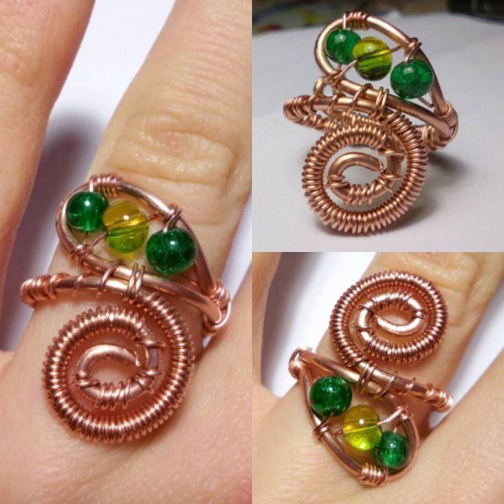 """""""Mi piace"""": 8, commenti: 4 - Gloria LiebschnerAnello in rame e perline di vetro. Per sapere il prezzo visitate la pagina facebook, https://www.facebook.com/creazionirame/ #anelli#rame#gioielli#artigianato#wire#bijou#bijoux#perline#ring#rings#handmade (@bijoux_du_soleil) su Instagram: """"Anello in rame e perline di vetro. Per sapere il prezzo visitate la pagina facebook,…"""""""