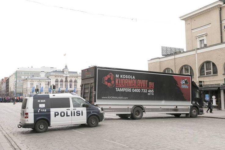 Katujen tukkimisesta tulossa tapa – Poliisi: Tapahtuman järjestäjä maksaa terroriuhkaan varautumisen - Aamulehti