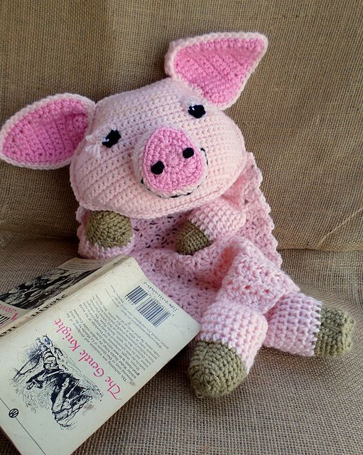 Ravelry: Rosie the Pig Blankie pattern by Jenna Wingate