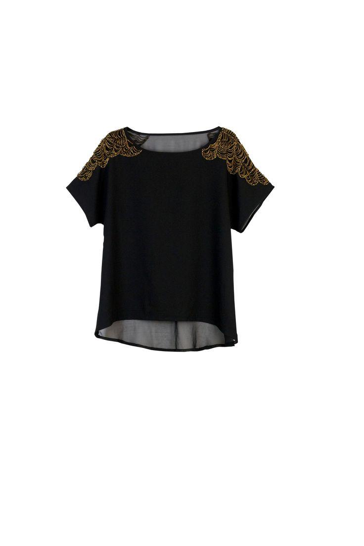 Gold accents #fall #fashion #costablanca #CBFallspree @robert van