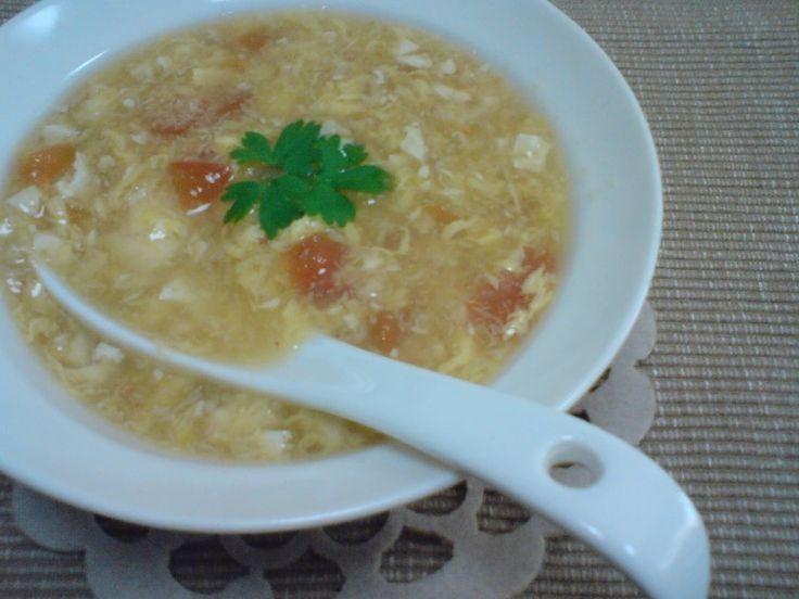カニ缶で作る簡単美味しい中華風スープです。