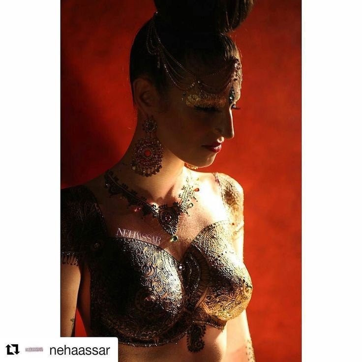 #follow us@hennafamily#hennafamily #Repost @nehaassar  I will be exhibiting my artwork at the @rawartistsoc  RAW Artists Showcase Event on Sunday July 31st at the Yost Theater in Santa Ana. I would be thrilled to have you all there. Included in the showcase are photographers fashion designers bands makeup artists jewelers painters and of course HENNA ART as well as my paintings! @nehaassarpaintings GET YOUR TICKETS NOW!!!!!!! Link in Bio  #rawartistsoc #rawartists #neha #nehaassar…