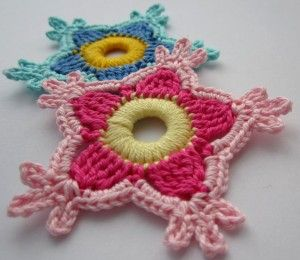 Paradise flower pattern. Step by step tutorial in German and English