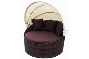 CLEARANCE: Belmont Round Outdoor Daybed with Canopy