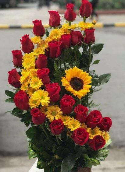 619 best Arreglos florales y más images on Pinterest Floral