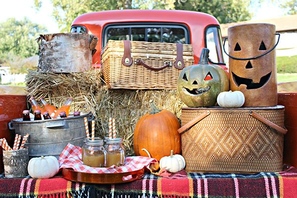 Fall Backyard Party Ideas :  Fall is in the air on Pinterest  Thanksgiving, Pumpkins and Fall
