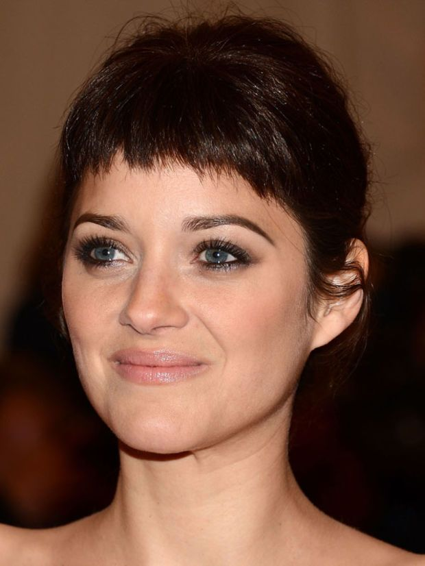 Marion Cotillard oval face bangs