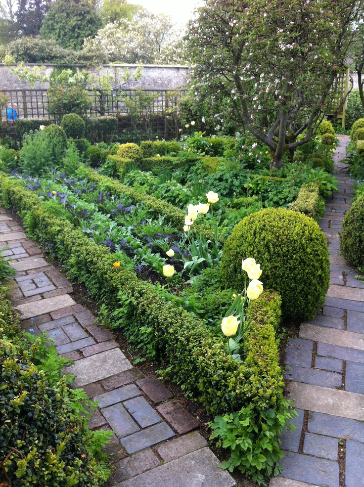 Potager paths. Barnsley House, Gloucestershire UK.