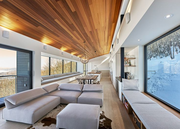Robitaille Curtis Places A Ski Chalet On Steep Slope In Quebec