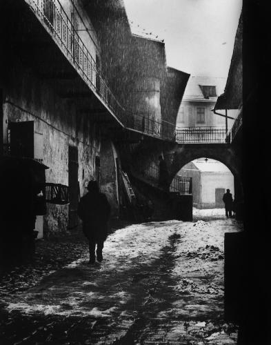 """Entrance to Kazsimierz, the old ghetto of Krakow"", 1937, by Roman Vishniac / Howard Greenberg Gallery"