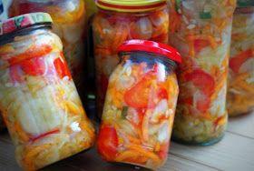 Sałatka z ogórków, papryki, marchewki
