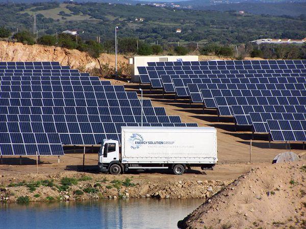 Campo fotovoltaico (bonifica cava dismessa)