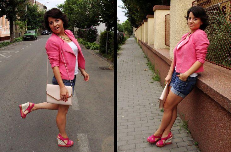 Kinga pentru tinuta sa de zi a ales sandalele Iris de la Matar.ro. Pentru mai multe detalii click pe poza!