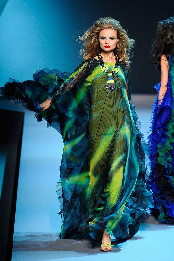 Gorgeous, gorgeous...  Magdalena Frackowiak at Christian Dior Haute Couture F/W 2011-12.